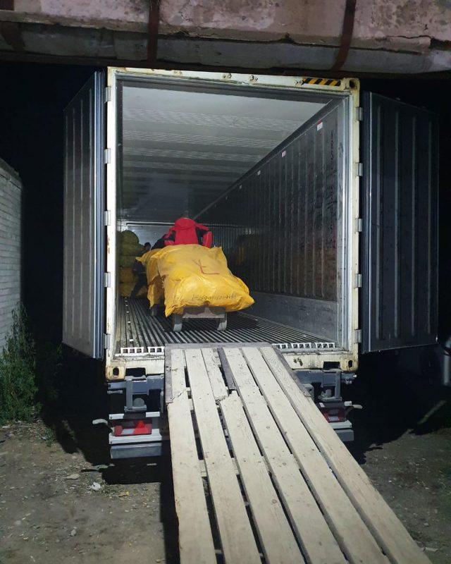 Ну и Времена нынче! «Сухих» контейнеров не хватает. Грузим  хозтовары в рефку на каботаж.